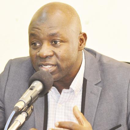 LE MINISTRE TAÏROU BANGRE AUX FEDERATIONS SPORTIVES : «  Toutes les régions du pays seront dotées d'infrastructures »