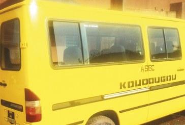 ASEC DE KOUDOUGOU : Des anciens joueurs font don d'un car
