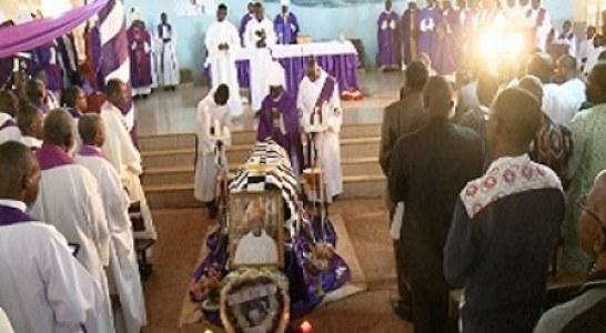 DIOCESE DE DEDOUGOU : Mgr Judes Bicaba inhumé