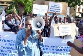 MEDIAS PUBLICS : Le préavis de grève et de sit-in du SYNATIC