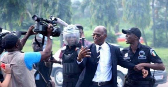 REPRESSION DE MANIFESTATIONS ANTI-CONSTITUTION EN CÔTE D'IVOIRE : Les prémices d'une campagne référendaire électrique