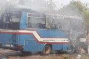 BANFORA : Un minibus prend feu en pleine circulation