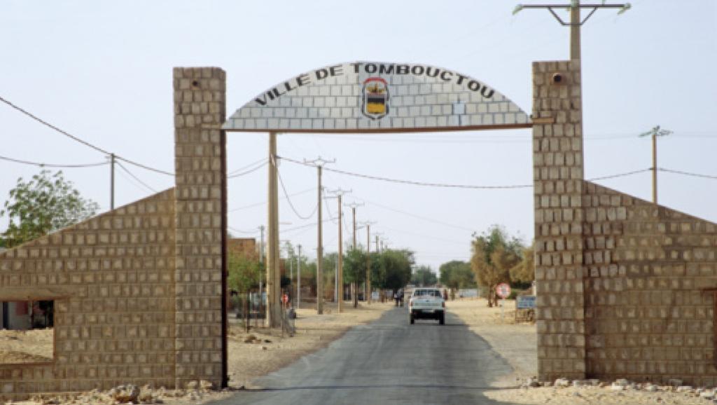 MISE EN PLACE DES AUTORITES INTERIMAIRES A TOMBOUCTOU :  Bamako entre le marteau et l'enclume