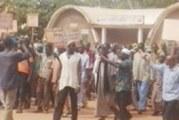 LOTISSEMENT A BANFORA : Des occupants des zones spontanées dans la rue