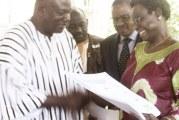 ELECTIONS PARTIELLES DU 28 MAI : La CENI remet les spécimens de bulletins de vote aux partis politiques en lice