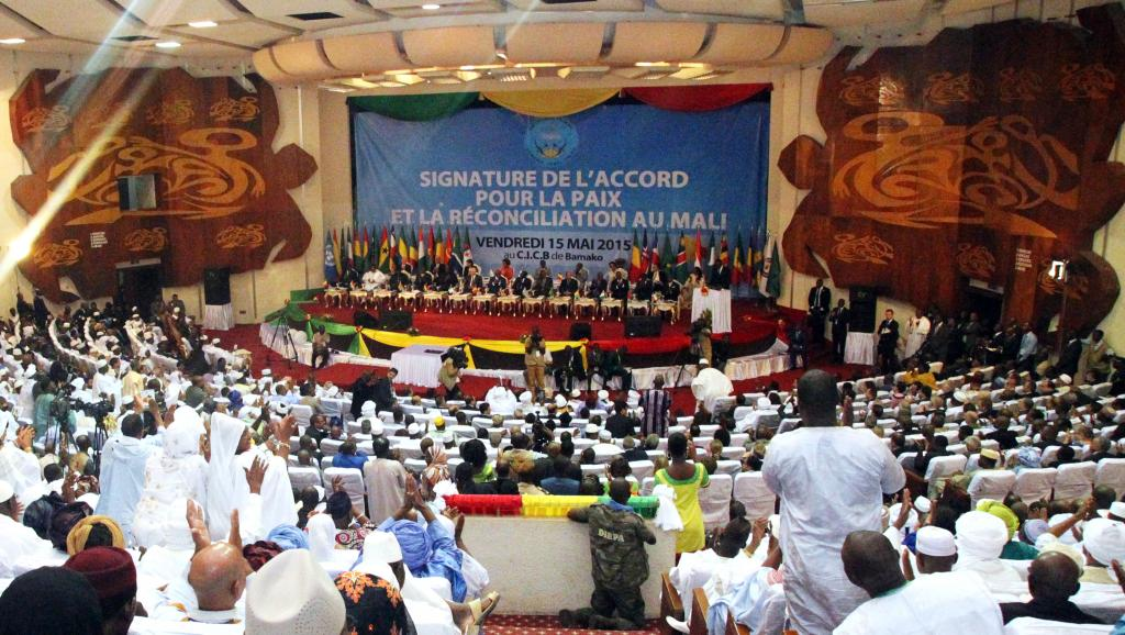 Le conseil de sécurité crée un régime de sanctions — Mali