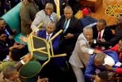 REVISION CONSTITUTIONNELLE EN OUGANDA : Les parlementaires se boxent, le président boit son petit lait