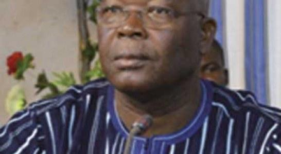 MATD  :   Le SYNACSAB exige « le départ pur et simple » du ministre Siméon Sawadogo