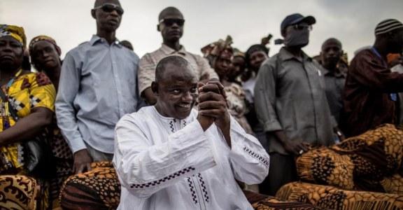 GAMBIE : Un an après le dictateur, la mue s'opère difficilement