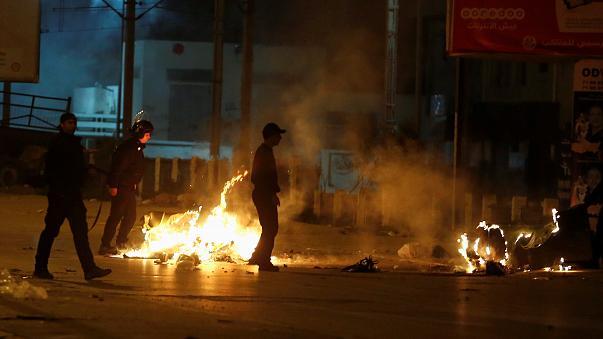 Le 7e anniversaire de la révolution sous tension