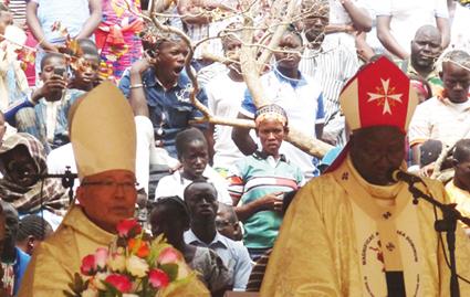 PELERINAGE DIOCESAIN DE YAGMA   :  Les fidèles chrétiens ont sacrifié à la tradition