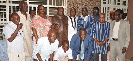 ELECTION DU PRESIDENT DE LA FBF A LA CAF  :   Sita Sangaré reçoit les félicitations d'anciens footballeurs