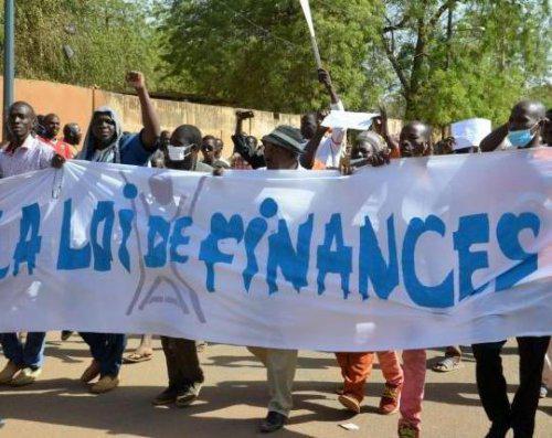 23 manifestants interpellés après des heurts avec la police — Niger