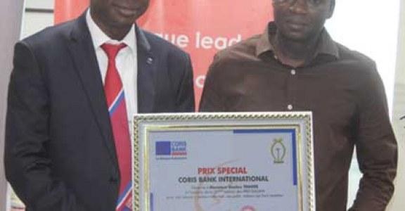 GALIAN 2018   :  Seydou Traoré des Editions « Le Pays » reçoit le prix spécial  Coris Bank