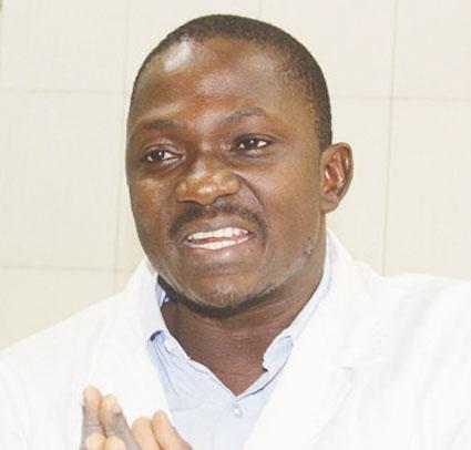 Dr FAGNIMA TRAORE, A PROPOS DES MALADIES LIEES AUX ONGLES  « La pose des faux ongles peut être source de plusieurs maladies allant des infections à des dermatoses inflammatoires »