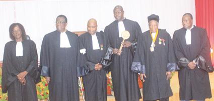 BARREAU DU BURKINA  : Me Paulin Salambéré reçoit officiellement le bâton