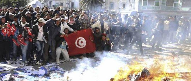 IMMOLATION PAR LE FEU D'UN JOURNALISTE EN TUNISIE