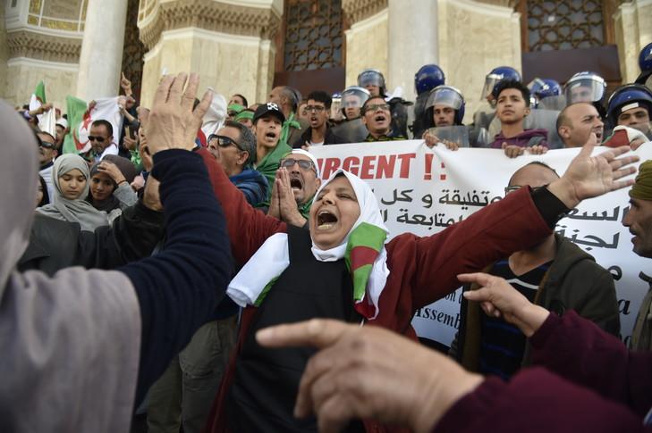 TRANSITION POLITIQUE EN ALGERIE  :  Bensalah a-t-il les moyens de surprendre agréablement?