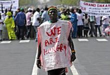 Photo of REPRESSION D'UNE MANIF CONTRE LA VIE CHERE AU SENEGAL